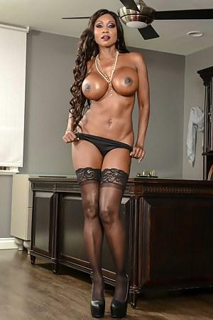 Black Mature Big Tits Porn Pictures