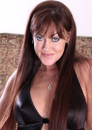 Long Hair Mature Porn Pictures