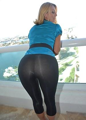 Mature Yoga Pants Porn Pictures