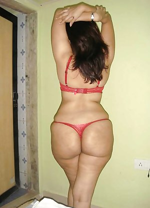 Mature Thong Porn Pictures