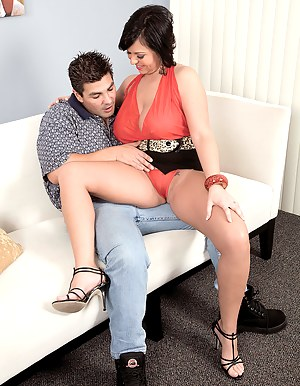 Mature Seduction Porn Pictures
